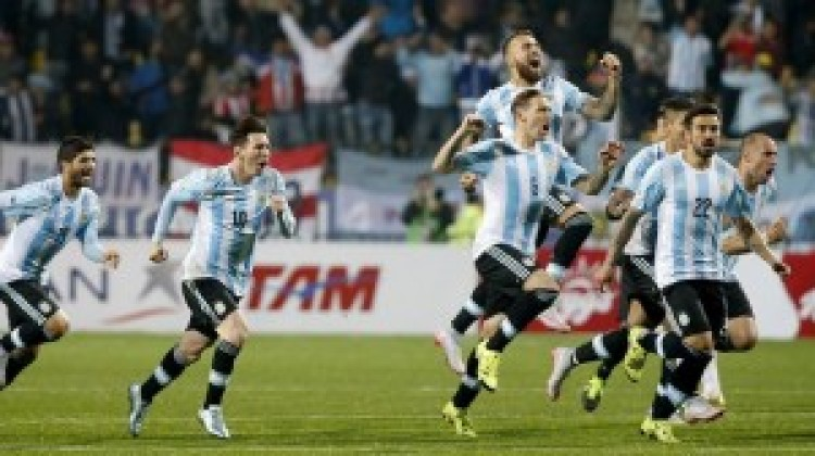 Argentina knock Germany off top spot