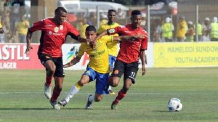 Dolly's only goal sends Sundowns to top 16 Netbank Cup
